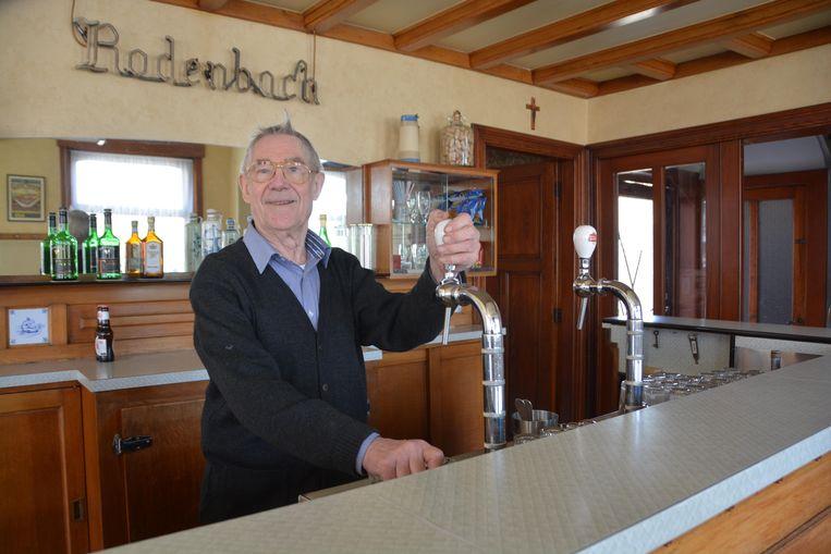 Frank Lagrou in 2015, toen hij na een trombose het café heropende.