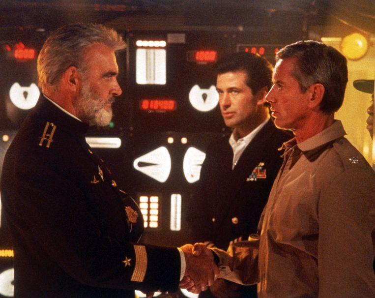 Sean Connery, Alec Baldwin en Scott Glenn in 'The Hunt for Red October', waarbij Jan de Bont het camerawerk deed. Beeld AP