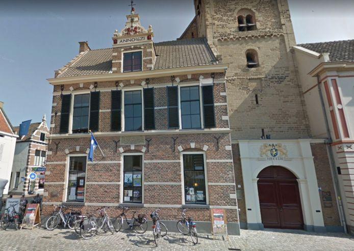 De Waag en Hoofdwacht gebouwd in 1621.