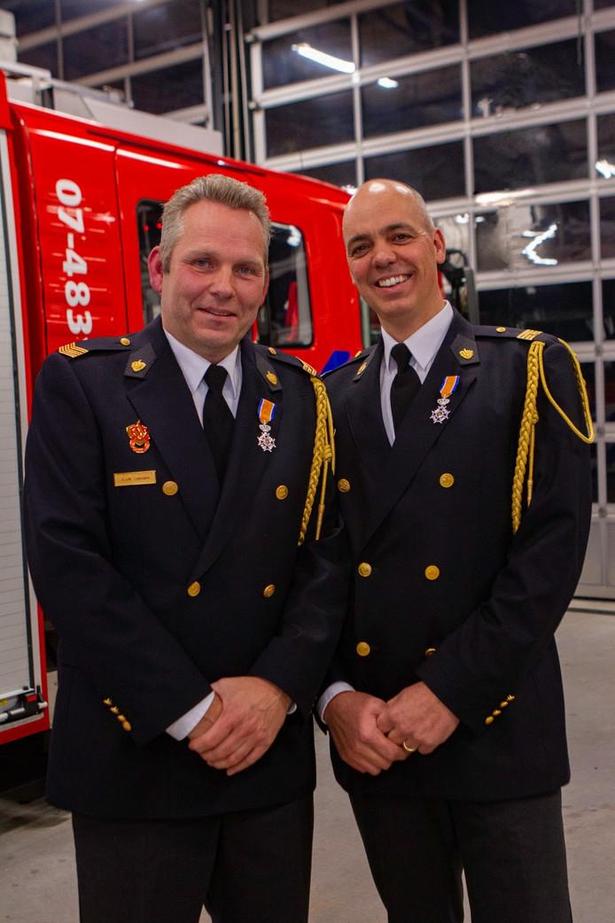 Gérard Leenders en Toine Knipping van de Bemmelse brandweer
