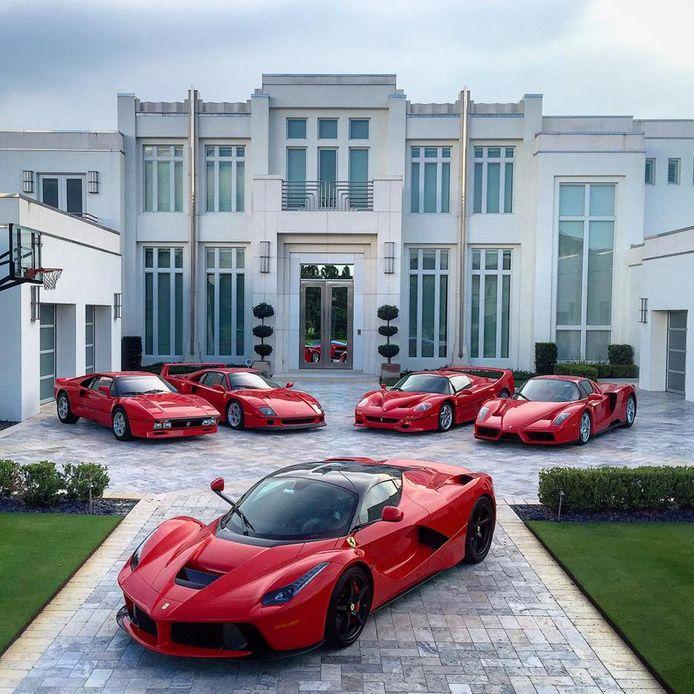 De Ferrari's van de Britse golfer Ian Poulter.