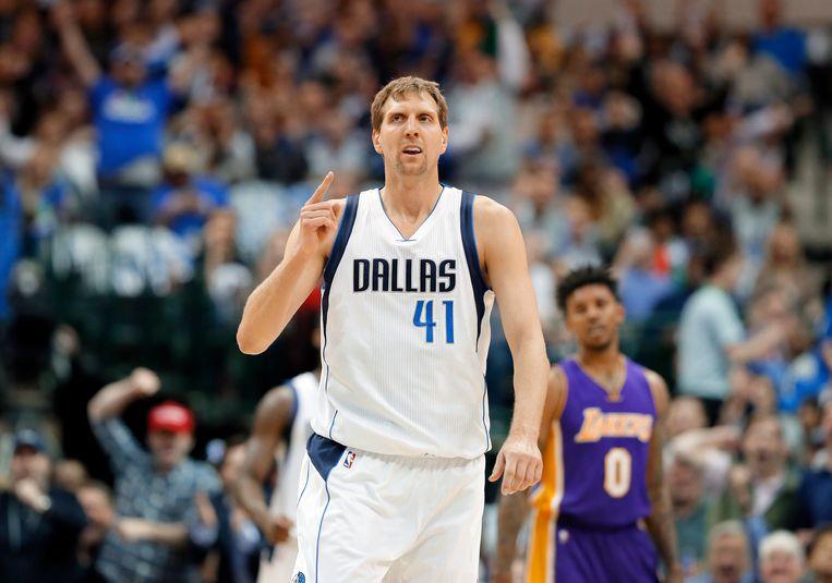 Dirk Nowitzki, uit Duitsland, speelde twintig seizoenen voor Dallas Mavericks. Beeld AP