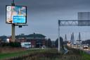 De gemeente Zaltbommel vestigde begin dit jaar via een billboard langs de A2 de aandacht op het 25-jarig bestaan van de Martinus Nijhoffbrug.