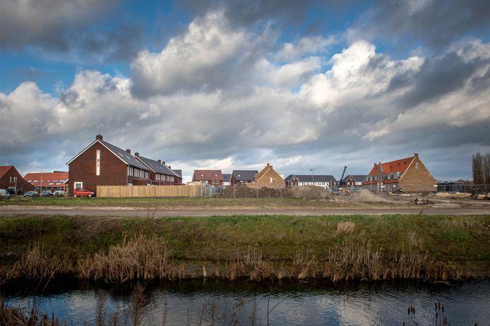 Het  Leeuwse Veld is de grootste uitbreidingswijk van West Maas en Waal in Beneden-Leeuwen.