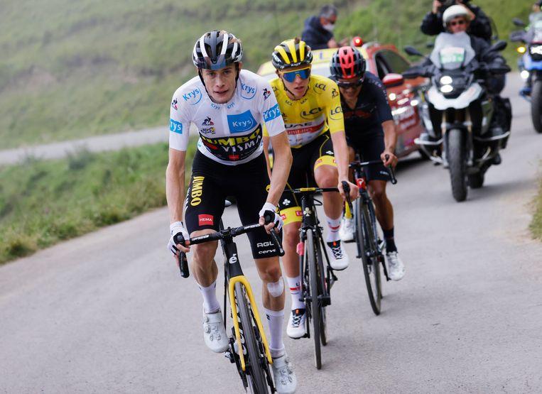 Jonas Vingegaard aan kop van het selecte trio dat de Tour de France nu domineert. Beeld Reuters