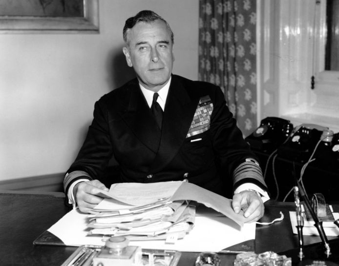 Lord Louis Mountbatten (1900-1979), foto uit 1955.