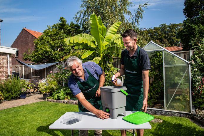 Ralph Mulders en Jeroen Biesterbos in de tuin van Biesterbos.