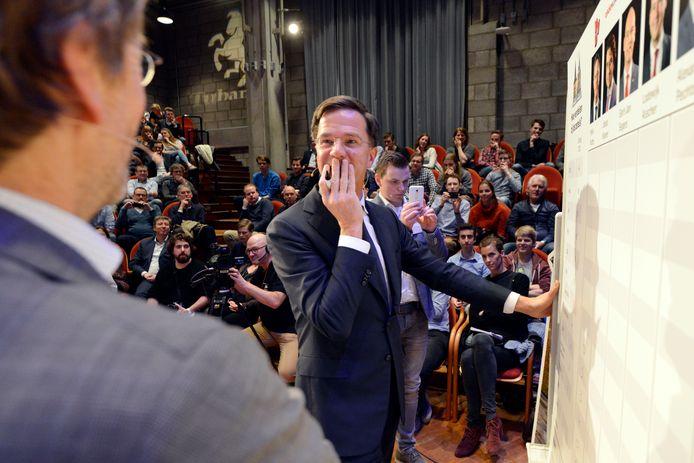 Mark Rutte was vier jaar geleden ook onderdeel van Torentje naar Torentje. Deze keer spreekt de premier vanuit Den Haag