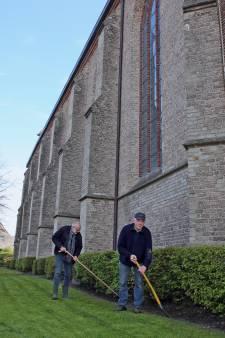 Op Gods gazon mag Fikkie niet poepen en toch gebeurt dat in Steenwijk