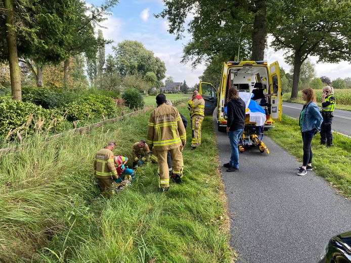 Bij een ongeval met een driewielerfiets in Beemte-Broekland is vrijdagmiddag een man gewond geraakt.