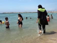 Vier badgasten beboet om boerkini in Cannes