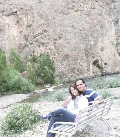 Man mist door ticketfoutje rampvlucht Iran, echtgenote stapt wel in