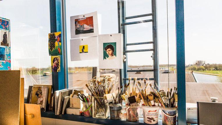 Bogotá in Halfweg biedt ruimte aan ongeveer 250 creatieve bedrijven, waarvan een deel in oude containers wordt ondergebracht. Beeld Tammy van Nerum