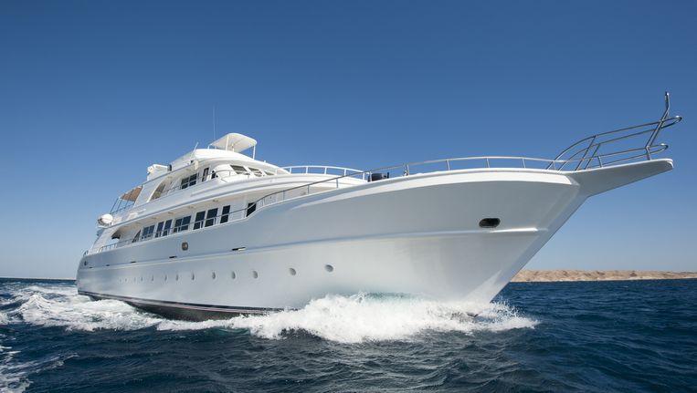Een jacht is prima, maar waar blijf je dan met je heli, duikboot en andere hebbedingen? Beeld thinkstock