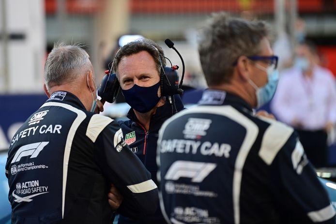 Teambaas Christian Horner (midden) van Red Bull.