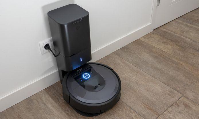 Roomba op de 'CleanBase'