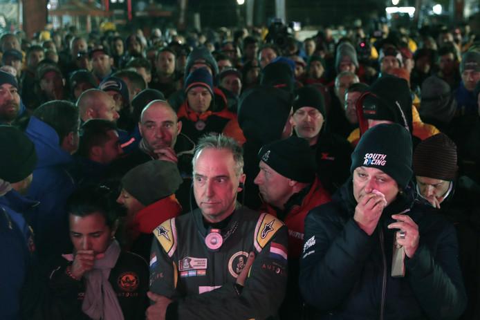 Deelnemers aan de Dakar Rally hielden vanavond al een minuut stilte.