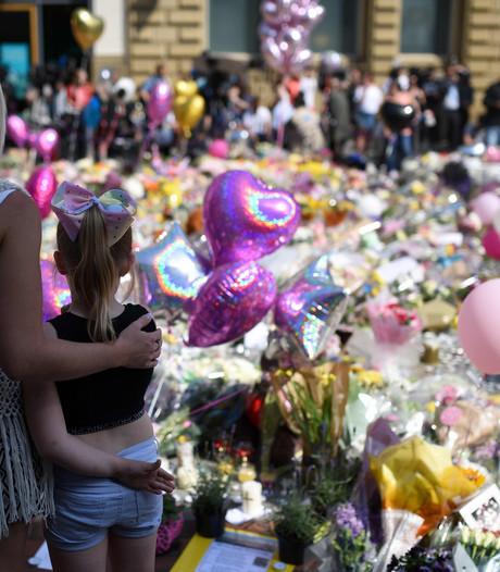 Moeder Ariana Grande steunt slachtoffers