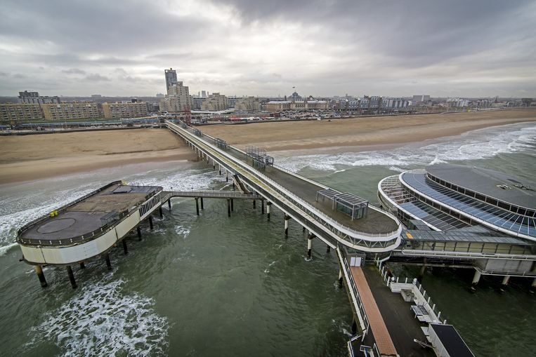 De verlaten Pier in Scheveningen. Hotelbedrijf Danzep BV en vastgoedbedrijf Kondor Wessels hebben het beroemde bouwwerk voor 3 miljoen euro gekocht van horecaconcern Van der Valk. De pier krijgt een hoognodige opknapbeurt en gaat naar verwachting in de lente weer open voor publiek. Beeld anp