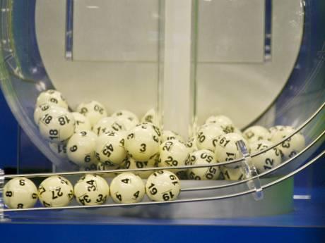 Elle gagne deux fois à la loterie le même jour et devient millionnaire