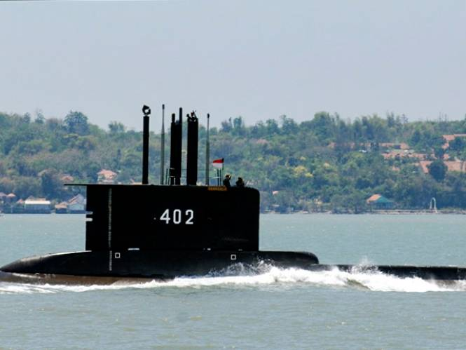 Race tegen de klok om vermiste duikboot te vinden: zo kan bemanning in extreme nood het nog wat langer uithouden