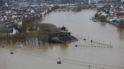 Waterpeil van de Rijn blijft stijgen: scheepvaartverkeer stilgelegd