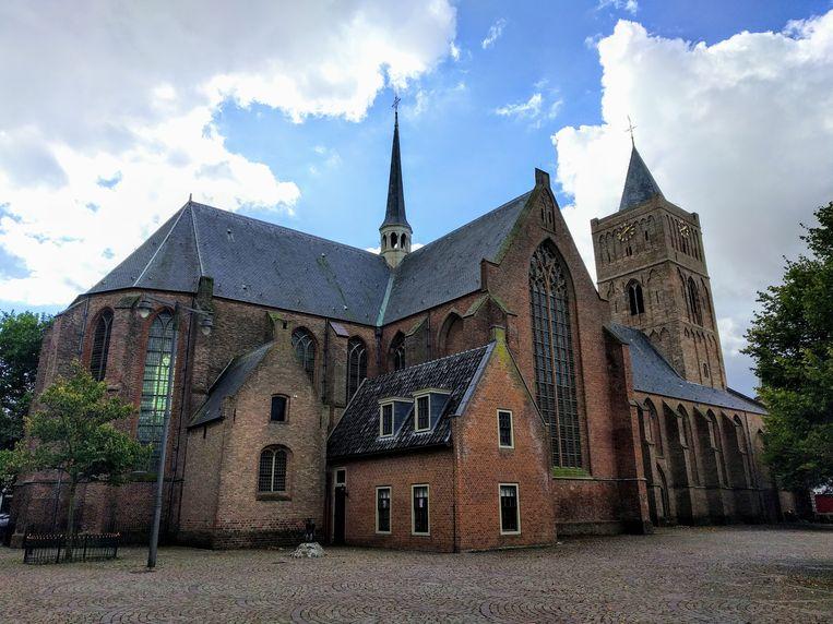 De Oude Sint Jeroenskerk in Noordwijk. Archeologen hebben onder de kerk een schedel gevonden die de relikwie kan zijn van Sint Jeroen. Beeld wikimedia commons