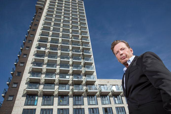 Edwin Jansen met op de achtergrond de Waldo Tower.