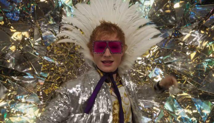 Ed Sheeran goes Elton John.