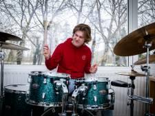 Ilja (17): 'Ik vraag me af wat mijn vader voor toekomstidee had, toen hij 17 jaar was'
