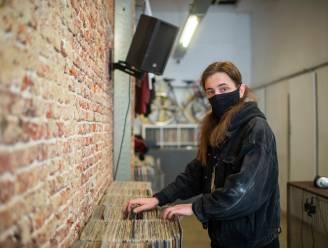 """Al drie jaar knalschijven bij Warrecords: """"Onze vinylshop moet een ontmoetingsplek worden, een tweede thuis"""""""