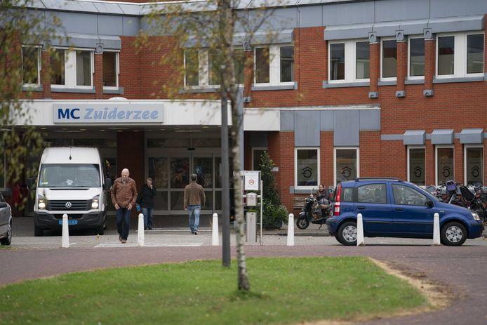 Exterieur van het MC Zuiderzee, onderdeel van MC IJsselmeerziekenhuizen met ook vestigingen in Emmeloord, Dronten en Urk.