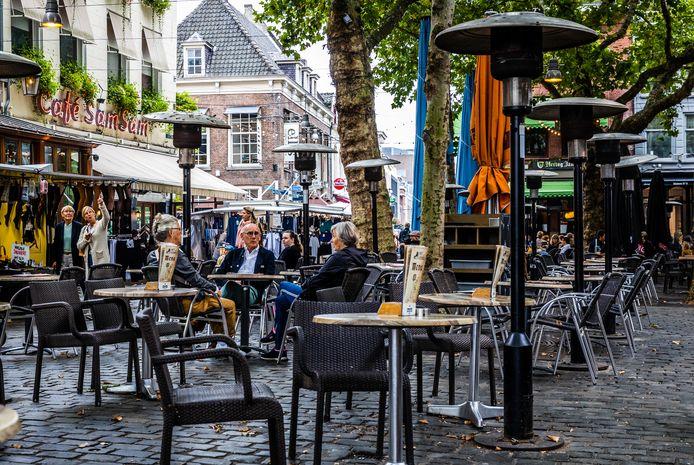 Terrasverwarmers op de Grote Markt in Breda