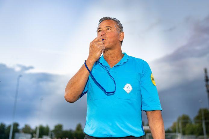 Zevenhovenaar Ruud Augustin is clubscheidsrechter bij onder meer Woubrugge