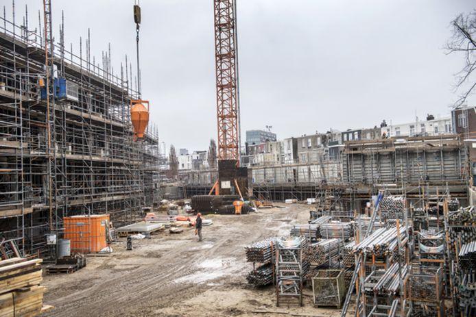 Er wordt nog volop gewerkt aan de nieuw bouw aan de Genenestetlaan.