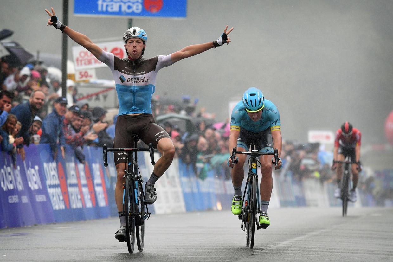 Oliver Naesen wint de Bretagne Classic 2018 in Plouay, voor Valgren Andersen en Tim Wellens. Beeld Photo News