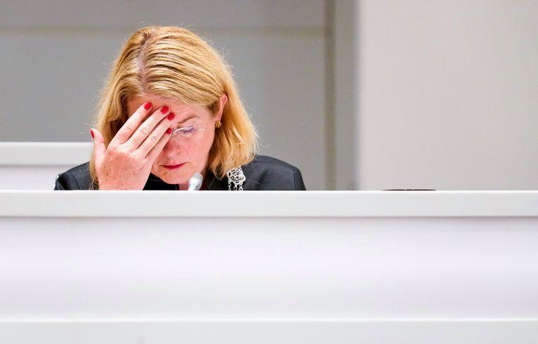 De opgestapte Haagse burgemeester Krikke tijdens het spoeddebat rond het corruptieonderzoek naar de wethouders Richard de Mos en Rachid Guernaoui. Beeld Freek van den Bergh / de Volkskrant