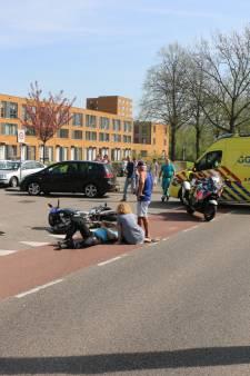 Motorrijder gewond na aanrijding met auto