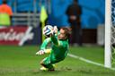 Tim Krul pakt de beslissende penalty tegen Costa Rica.
