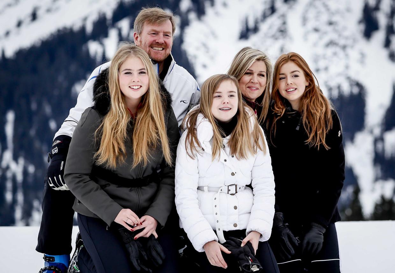 Koning Willem-Alexander en zijn gezin in Lech.