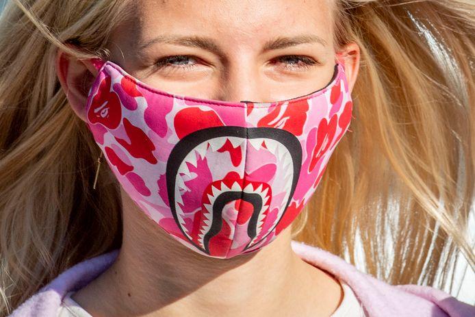 Vanaf 12 augustus krijg je meteen een boete als je in de deelstaat Nordrhein-Westfalen in bus of trein zit zonder mondkapje.
