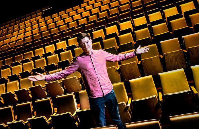 Kai Bodewitz hoopt voor zijn optreden de Philipszaal in het Parktheater vol te krijgen.