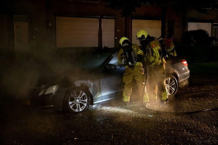 Aan de Frans Halslaan in Roosendaal is maandagnacht een auto uitgebrand.