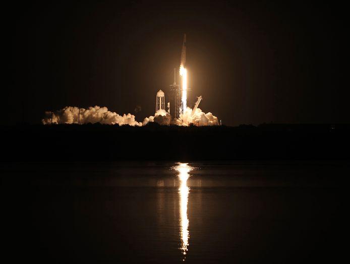 De lancering van de Crew-1.