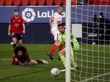 Luuk de Jong helpt Sevilla met een magistrale hakbal naar plaats drie in La Liga