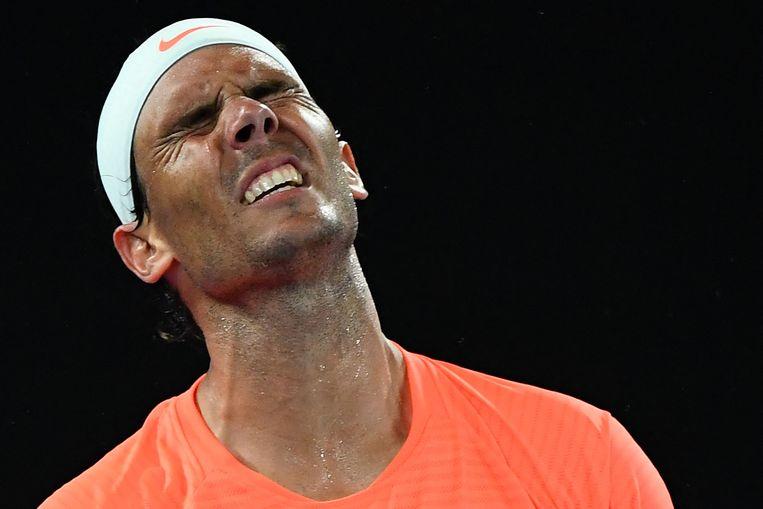 Rafael Nadal tijdens zijn verloren kwartfinale tegen Stefanos Tsitsipas op de Australian Open. Beeld AFP