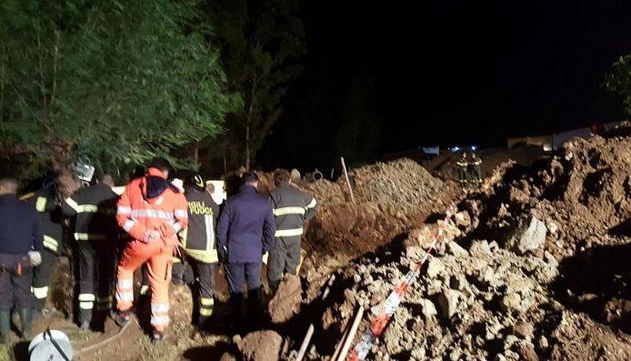 De Brennerautostrade werd gisteren nabij de péage helemaal bedolven onder een modderstroom.