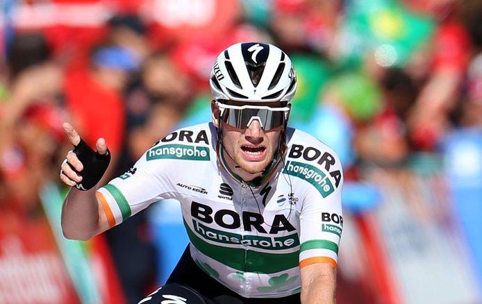 Voor Bennett is het zijn tweede dagzege in de Vuelta.