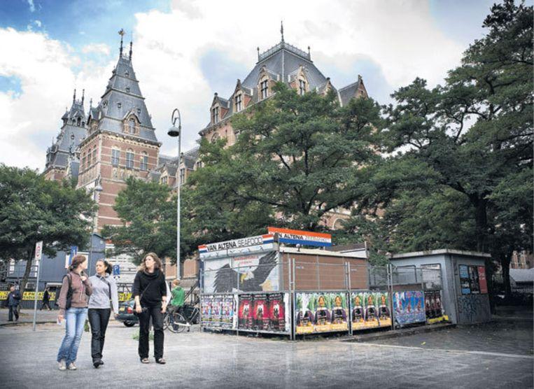 Triest beeld bij het Rijksmuseum: de legendarische haringstal van Piet Altena is dicht. Foto Floris Lok Beeld