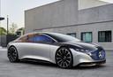 De Mercedes-Benz Vision EQS blikt vooruit naar een volledig elektrische Mercedes S-klasse, die het op zal nemen tegen de BMW i7